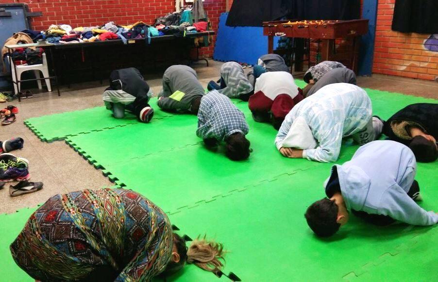 Yoga também é coisa de criança